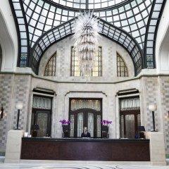 Отель Four Seasons Gresham Palace вестибюль