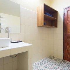 Отель Baan Suan Resort раковина ванной комнаты