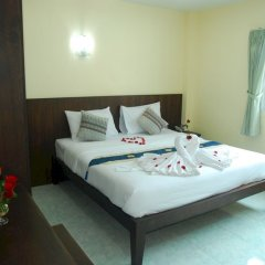 Отель Patong Palm Guesthouse комната для гостей фото 6