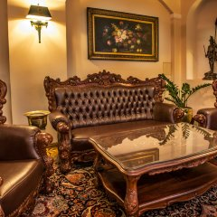 U Prince Hotel лобби фото 2