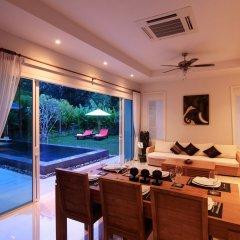 Отель Ananta Thai Pool Villas Resort Phuket комната для гостей фото 8
