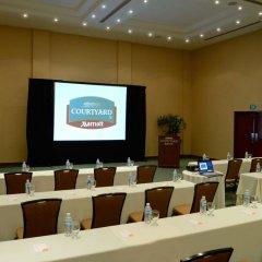 Отель Courtyard By Marriott Cancun Airport конференц-зал фото 2