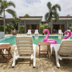 Отель Again at Naiharn Beach Resort открытый бассейн фото 2