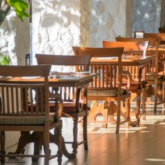 Отель Thavorn Beach Village Resort & Spa Phuket обед