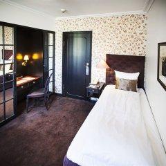 First Hotel Kong Frederik 4* Стандартный номер с различными типами кроватей