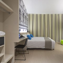 B&B Hotel Verona сейф в номере