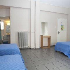 Отель Athens Backpackers Кровать в общем номере с двухъярусной кроватью