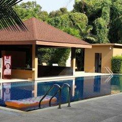 Nai Yang Beach Hotel открытый бассейн
