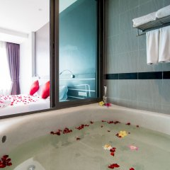 Отель The Blue глубокая ванна