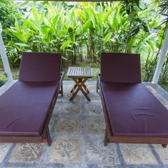 Отель Again at Naiharn Beach Resort открытая веранда