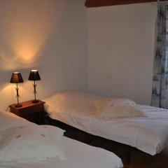 Отель Château de Bessas Gîtes Коттедж с различными типами кроватей