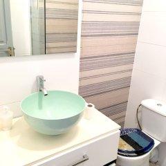 Отель Ruzafa Guesthouse 3* Номер с общей ванной комнатой с различными типами кроватей (общая ванная комната)
