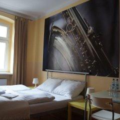 Explorer Hostel Стандартный номер с двуспальной кроватью