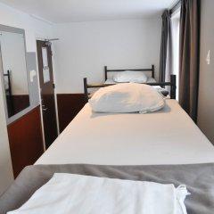Отель Travel 2* Кровать в общем номере фото 2