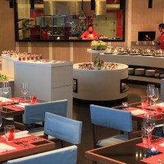 Отель Angsana Villas Resort Phuket ресторанный дворик фото 2