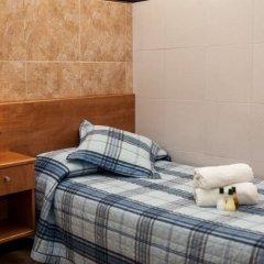 Отель Pensión Segre 2* Стандартный номер с различными типами кроватей (общая ванная комната)