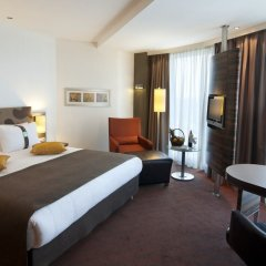 Гостиница Holiday Inn Almaty комната для гостей фото 5
