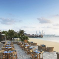 Отель Anantara The Palm Dubai Resort ресторан фото 3