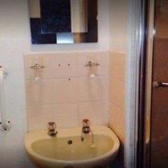 Отель Russell Guest House Великобритания, Брайтон - отзывы, цены и фото номеров - забронировать отель Russell Guest House онлайн ванная фото 2