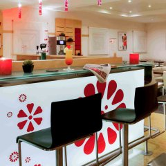 Отель ibis Nice Palais des Congrès Франция, Ницца - 1 отзыв об отеле, цены и фото номеров - забронировать отель ibis Nice Palais des Congrès онлайн гостиничный бар