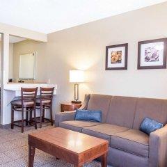 Отель Comfort Inn North/Polaris 2* Люкс с различными типами кроватей