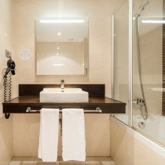 Hotel ILUNION Auditori ванная