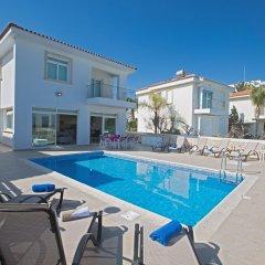 Отель Shaye Frontline Villa Кипр, Протарас - отзывы, цены и фото номеров - забронировать отель Shaye Frontline Villa онлайн бассейн