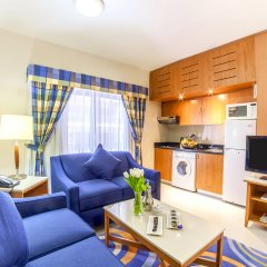 Golden Sands Hotel Apartments мини-кухня в номере