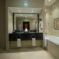 Гостиница Royal Tulip Almaty ванная фото 4