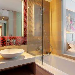 Отель Grand Mercure Phuket Patong 5* Улучшенный номер с различными типами кроватей фото 3