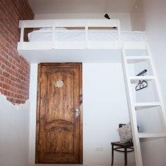 Тайга Хостел Стандартный семейный номер с двуспальной кроватью (общая ванная комната)