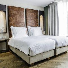 Hotel De Hallen 4* Полулюкс с различными типами кроватей