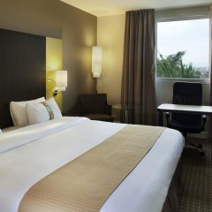 Отель Holiday Inn Paris - Charles de Gaulle Airport 4* Стандартный номер с различными типами кроватей