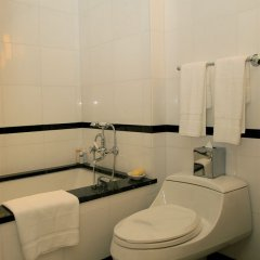 The Carlyle, A Rosewood Hotel Нью-Йорк ванная фото 2