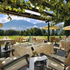 Отель Castello del Sole Beach Resort & SPA ресторанный дворик