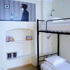 Red Nose - Hostel Кровать в общем номере с двухъярусной кроватью