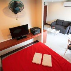 Отель Walking Street Guest House Улучшенный номер с различными типами кроватей