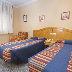 Отель Hostal Los Corchos Стандартный номер с различными типами кроватей