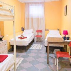 Hostel Linia Кровать в общем номере с двухъярусной кроватью