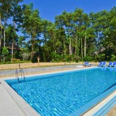 Отель The Touch Green Naiyang открытый бассейн
