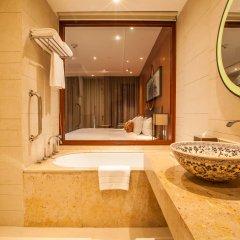 Отель Crowne Plaza Phuket Panwa Beach 5* Люкс с различными типами кроватей фото 7