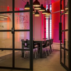 Отель Radisson RED Brussels конференц-зал
