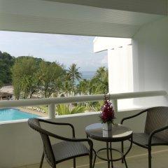 Отель Le Meridien Phuket Beach Resort балкон