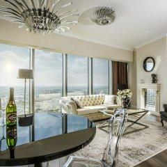 Отель Apartamenty Sky Tower Представительский люкс с различными типами кроватей