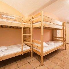 Хостел Lodge32 Кровать в общем номере с двухъярусной кроватью