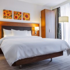 Гостиница Hilton Garden Inn Краснодар (Хилтон Гарден Инн Краснодар) 4* Стандартный номер двуспальная кровать