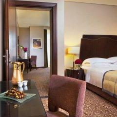 Отель Rose Rayhaan by Rotana Стандартный семейный номер с двуспальной кроватью