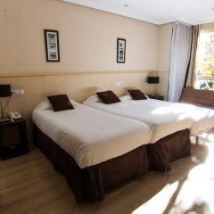 Отель Suites Feria de Madrid 4* Стандартный номер с различными типами кроватей