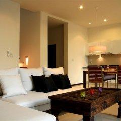 Отель Two Villas Holiday Oxygen Style Bangtao Beach гостиная
