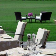 Отель Castello del Sole Beach Resort & SPA ресторанный дворик фото 2